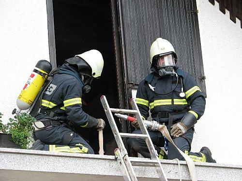 Vstop gasilcev v notranji prostor